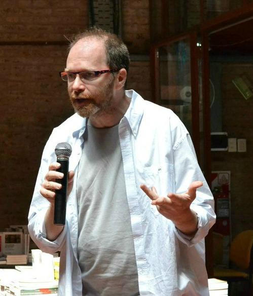 Diego Golombek en Nota al pie